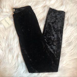 Yelete Black Velvet Leggings